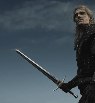 Henry Cavill como Geralt de Rivia en The Witcher